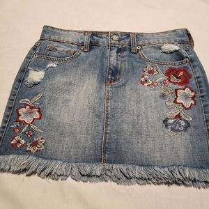 Aeropostale embroidered jean skirt size 4